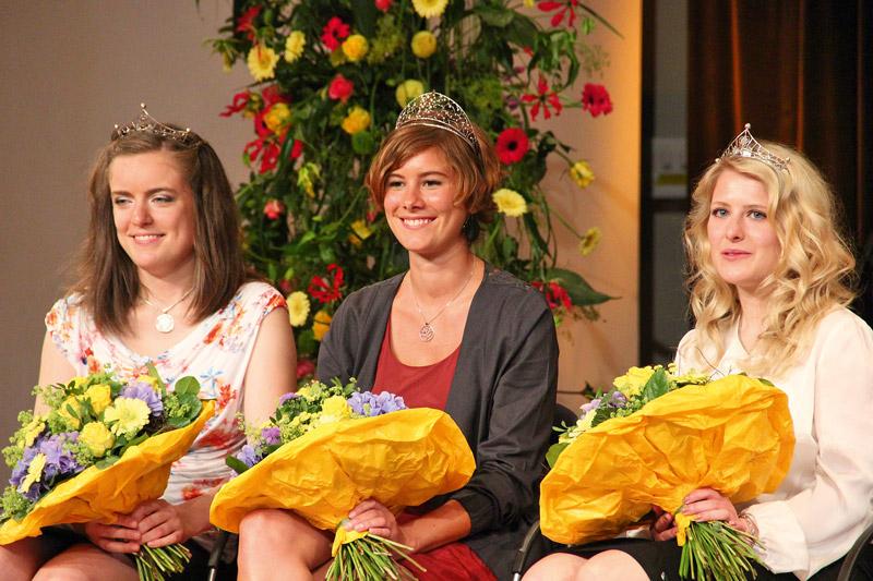 Das neue Trio fuer Baden (v.l.n.r.); Weinprinzessin Carolin Holzmueller, Weinkoenigin Josefine Schlumberger und Weinprinzessin Larissa Zentner.